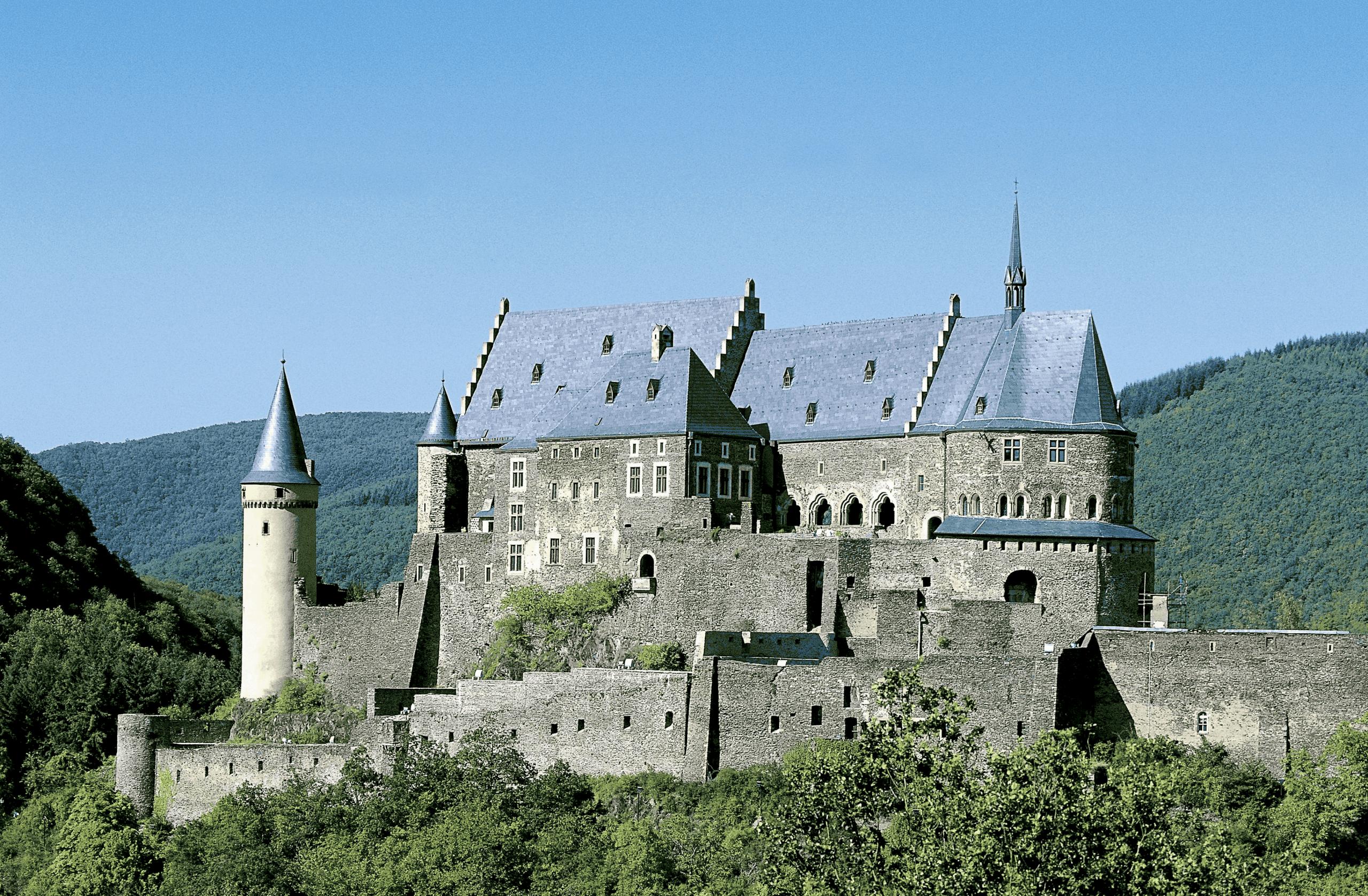 Binary options luxembourg